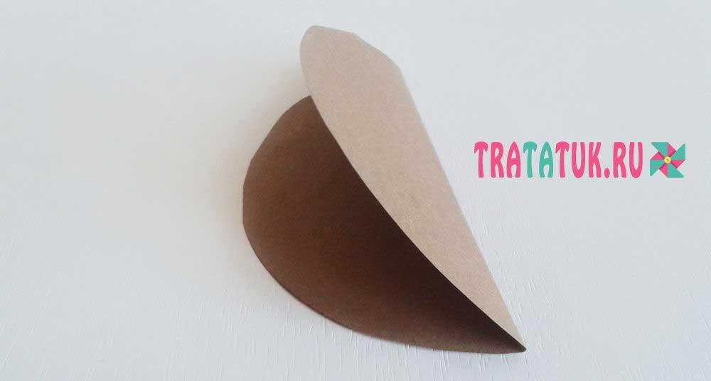 Бумажный гриб с объемной шляпкой