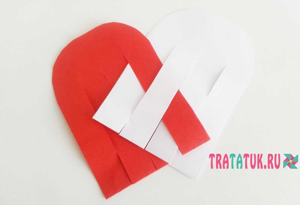 Плетеное сердце из бумаги