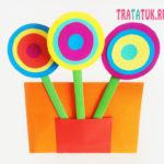 Простой букет для мамы в виде разноцветных кругов