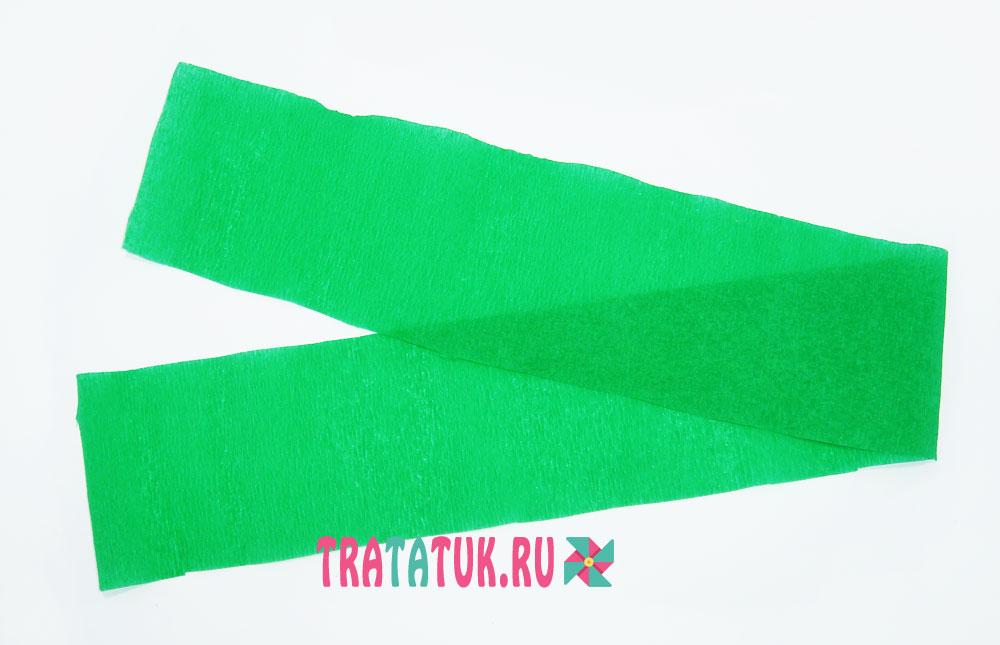 Еловая ветка из гофрированной бумаги