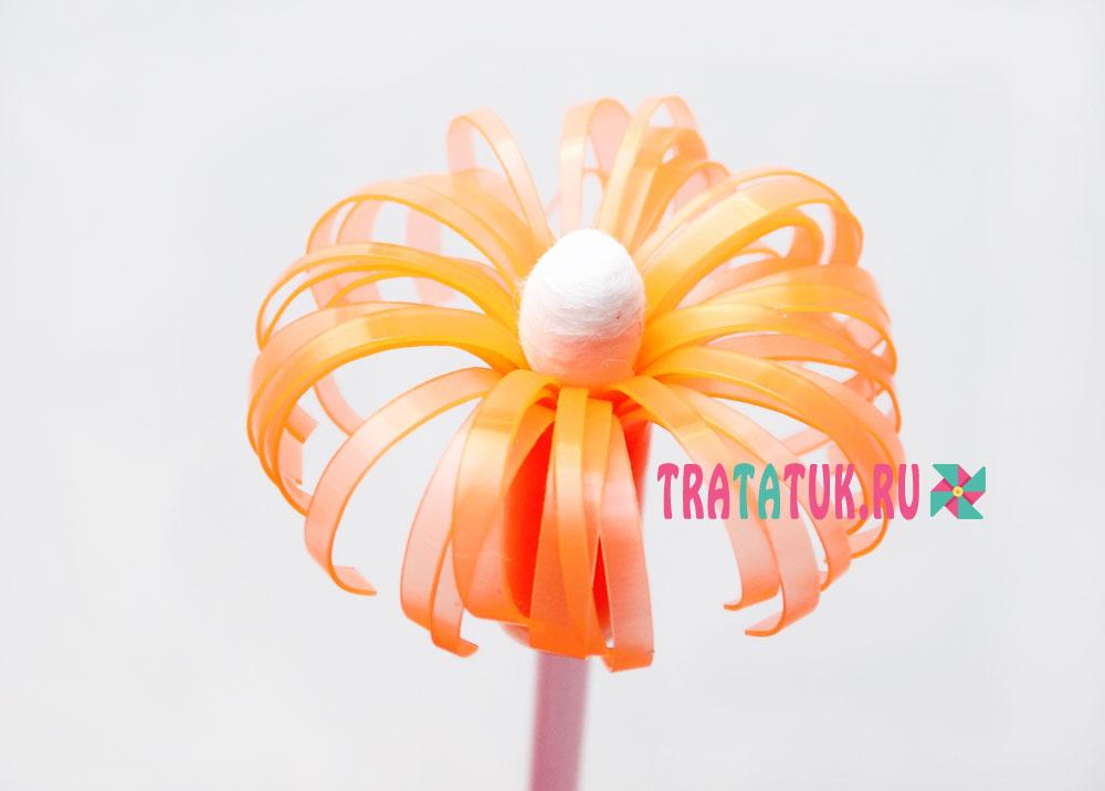 Цветы из коктейльных трубочек
