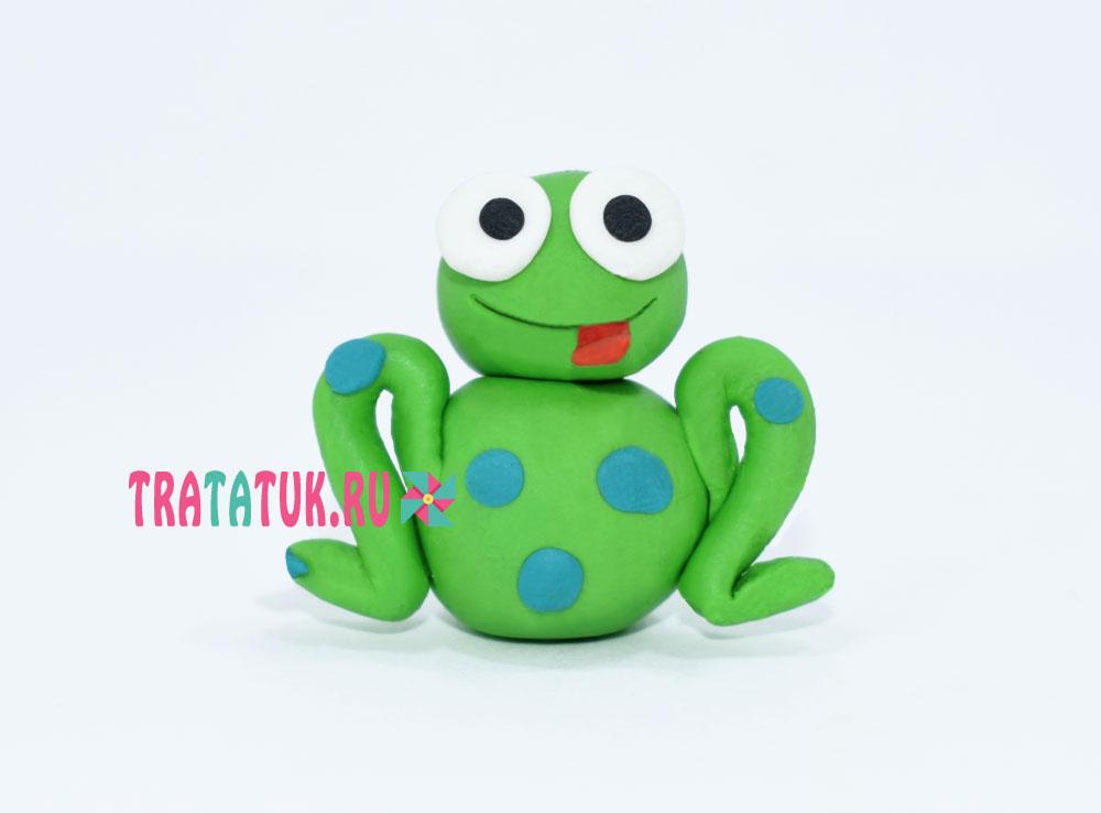 Лягушка из пластилина