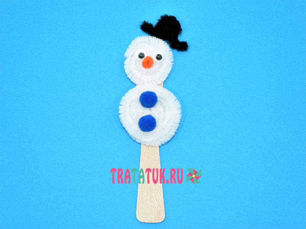Снеговик из пушистой проволоки