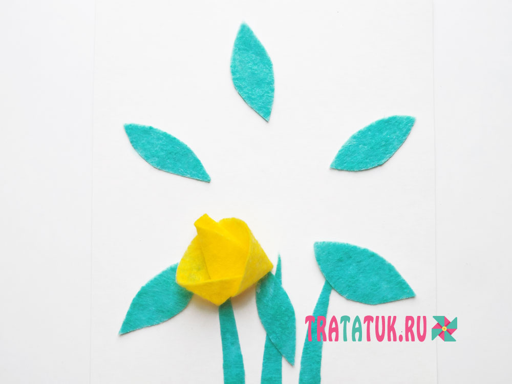 Аппликация с цветами из вискозных салфеток
