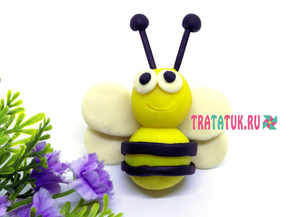 Пчелка из пластилина
