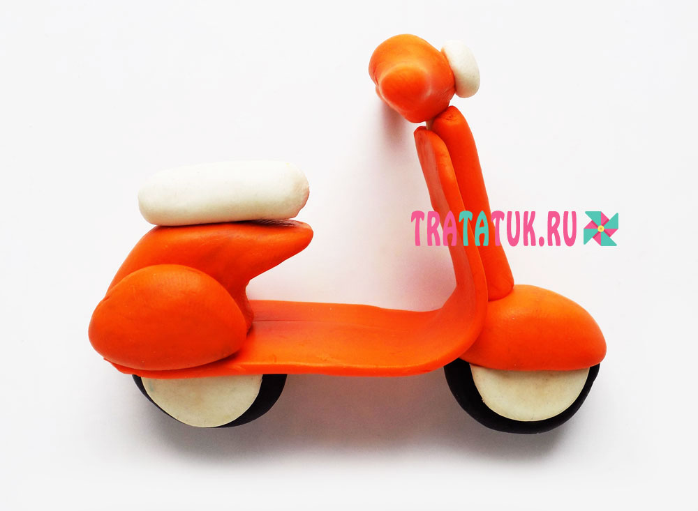 Скутер из пластилина